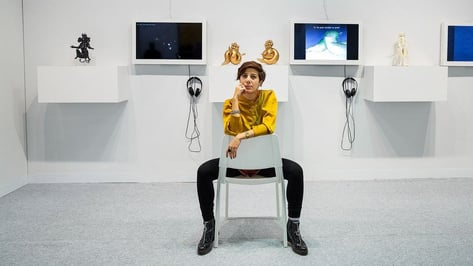 """Featured image of Iranian Artist Counters Digital Colonialism with """"She Who Sees the Unknown"""" Display"""