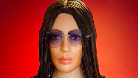 Featured image of Baker Creates Life-Size Kim Kardashian Cake With 3D Printing