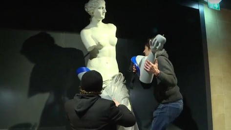 Featured image of Venus de Milo Receives 3D Printed Prosthetics for Handicap International Campaign