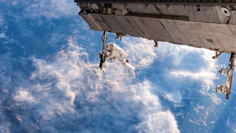 Featured image of Students Fly in Vomit Comet to Test Out 3D Printed Bioplastic Tools