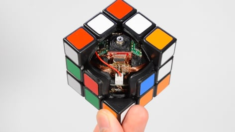 Featured image of Rubik's Cube Solves Itself Using 3D Printing and Servo Motors