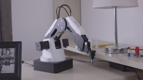 Featured image of DOBOT Magician Robotic Arm: Review the Specs