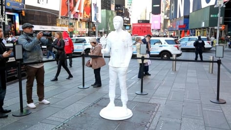 Featured image of 3D Printed Sculpture of Parkland Shooting Victim is Displayed in Times Square