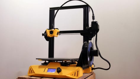 Featured image of Artillery Hornet Review: A Flashy Printer for Beginners