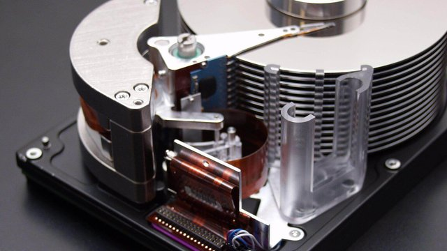 Featured image of Drive rack for three hard drives