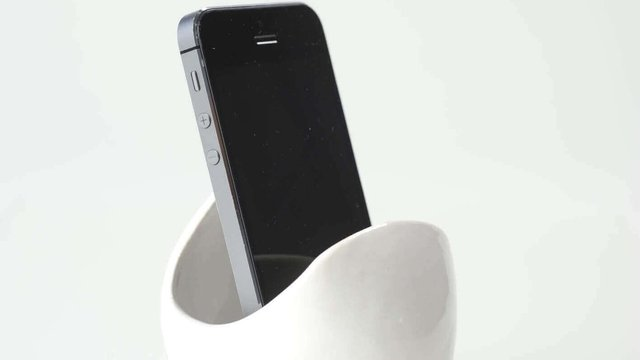 Featured image of 3D Printed Speaker for Apple and Samsung Smartphones