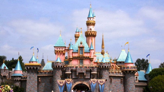 Featured image of Disney To Staff Theme Parks With 3D Printed Robots?