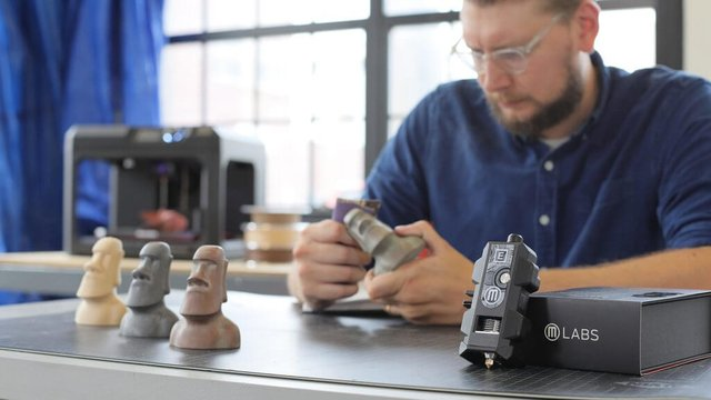 Featured image of What is the MakerBot Labs Experimental Extruder?