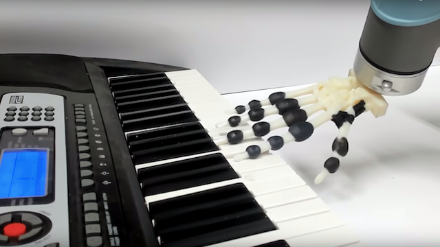 Featured image of Cambridge Researchers 3D Print Piano-Playing Robotic Hand
