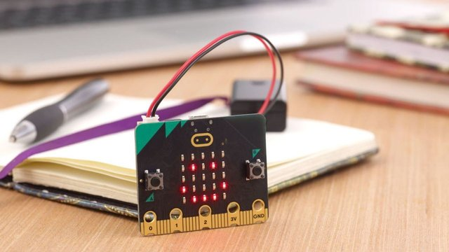 Featured image of BBC Micro:Bit V2: Review the Specs