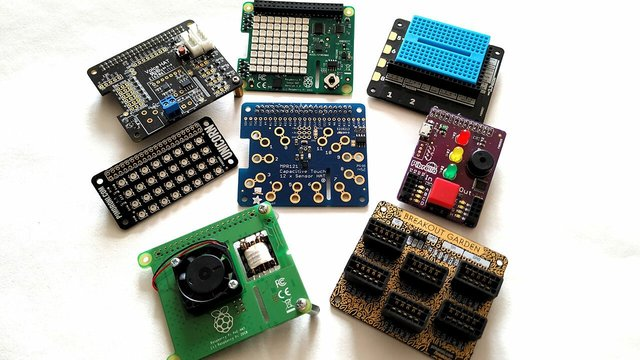Featured image of Best Raspberry Pi Accessories to Buy or DIY