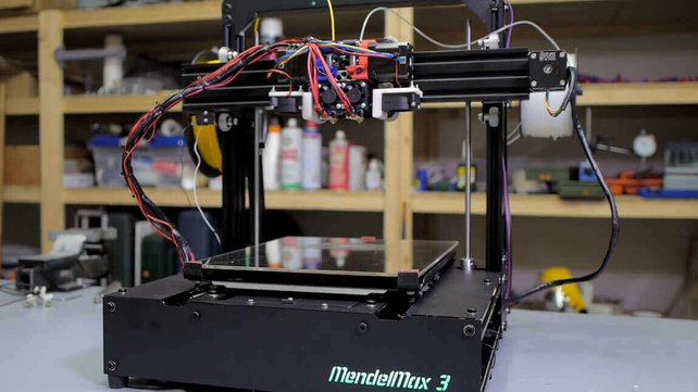 Featured image of MendelMax 3 Review: A Truly Hardcore 3D Printer