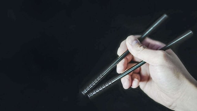 Featured image of QuickStix are Easy to Use 3D Printed Chopsticks