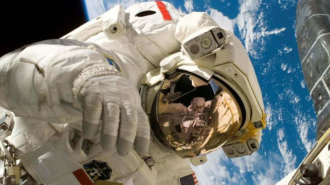 Featured image of Astronauts Mix Recycled Urine with Yeast to Create 3D Printing Filament