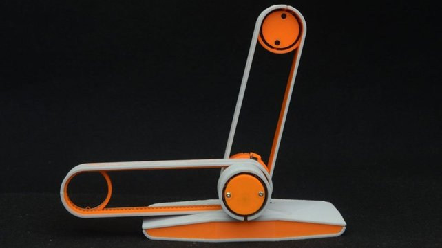 Featured image of Edgytokei is a 3D Printed Clock Inspired by Nunchucks