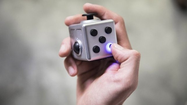 Featured image of Control Your PC and Presentations with a Fidget Cube