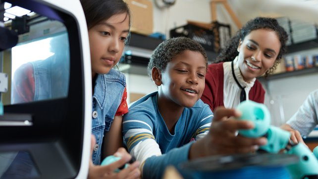 Featured image of Best 3D Printers for Schools & Education