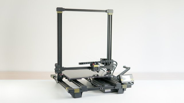Featured image of Anycubic Chiron Review: Best Bed You'll Never Sleep In