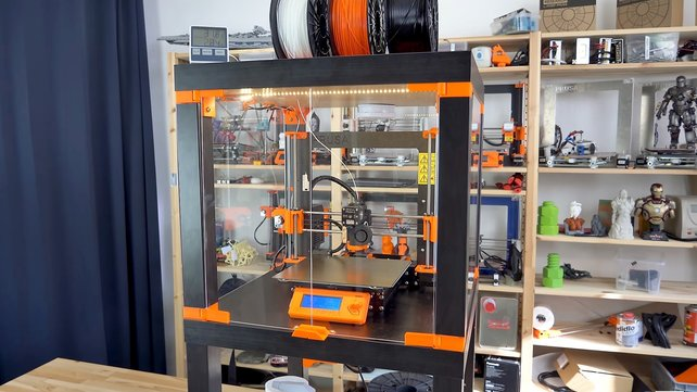 Featured image of DIY 3D Printer Enclosure: 5 Cheap & Easy Solutions