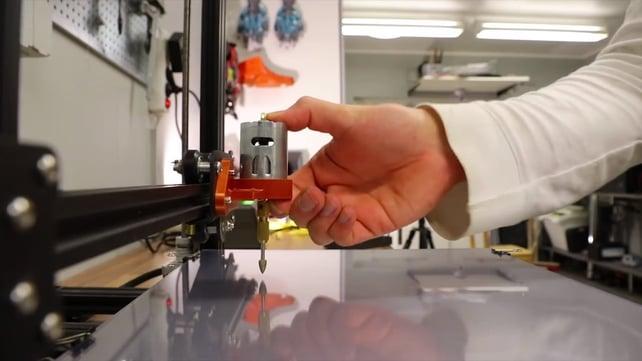 Image de l'en-tête de Transformez votre imprimante 3D Creality en outil de gravure !