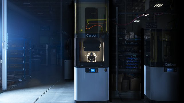 Featured image of Carbon Unveils Large-Format L1 3D Printer, Partners with Riddell to Improve Football Helmet Safety