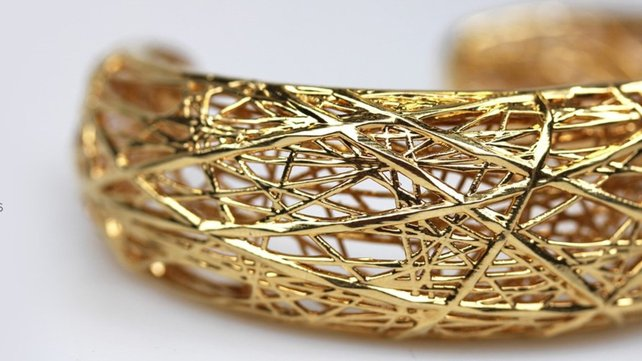 Featured image of How to 3D Print Jewelry – Tips for Designers