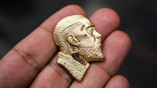Featured image of Rapper Nipsey Hussle Immortalised in 3D Printed Gold Pendant