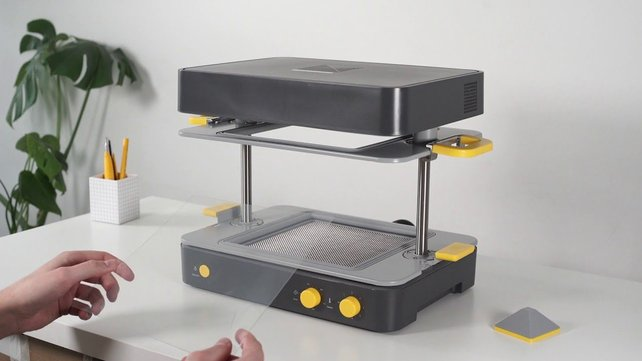 Featured image of 2019 Mayku Formbox Vacuum Former – Review the Specs