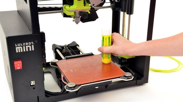 Featured image of The Best Glue Sticks for 3D Printing