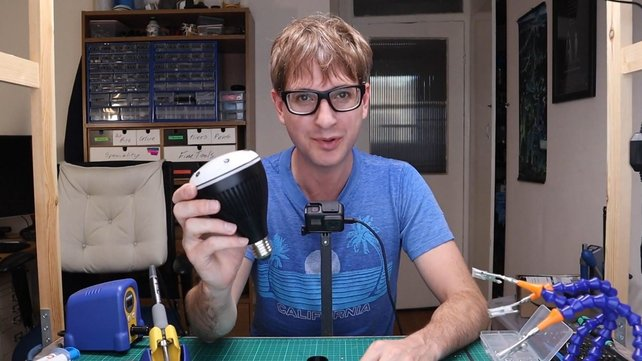 Featured image of This Inventor Created an AI Light Bulb Using an Amazon Echo Dot