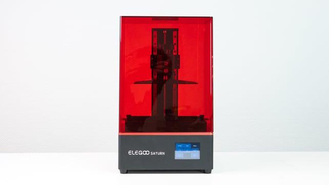 Image de l'en-tête de Elegoo Saturn: on a testé l'imprimante 3D résine