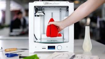 Ultimaker 2, a high performance FDM 3D printer.