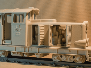 A locomotive model made of plastic, compatible with standard LEGO tracks (image: ToyFabb