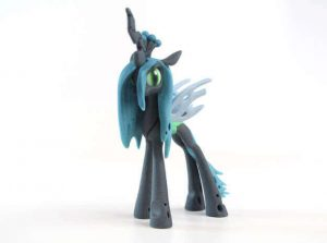 The full color sandstone 3D printed MyLittlePony proved to be a perfect fit for the SuperFanArt project (image: Shapeways)