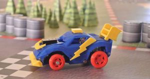 """The 3D Racers are 3D prtined and have an Arduino board as """"brain"""" (image: 3D Racers)"""