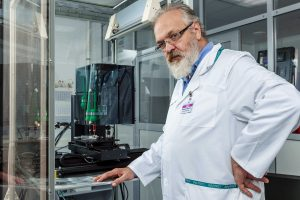 Professor Vladimir Mironov in front of the 3d bioprinter he constructed