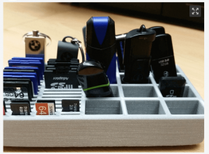 This organizers holds storage cards and USB sticks (source: Thingiverse)