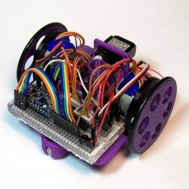 Low-Cost, Arduino-Compatible Drawing Robot by MakersBox