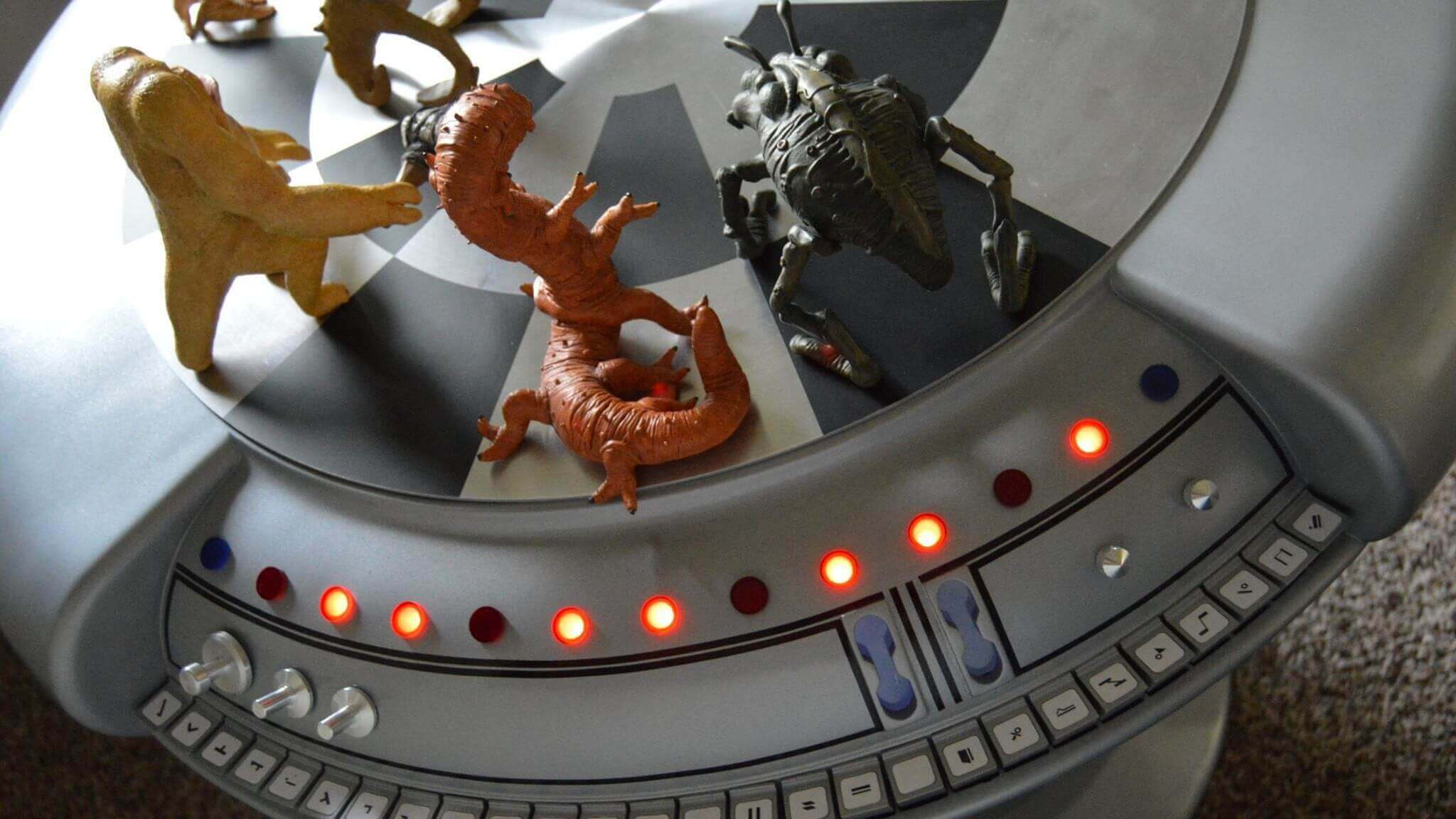 Superfan 3D Prints Functional Star Wars Holochess Table | All3DP