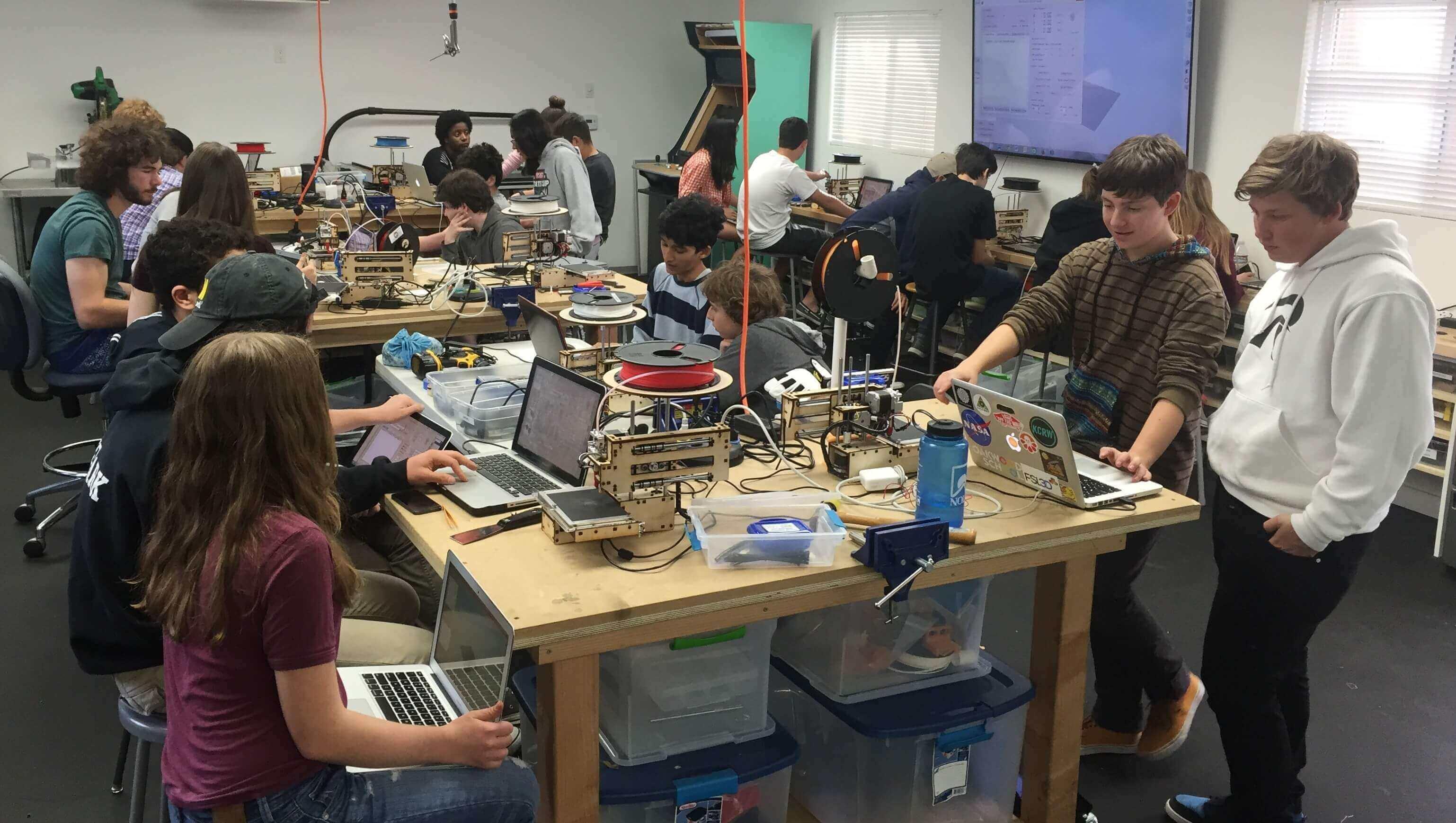 Oakwood School Lets Students Build Printrbots | All3DP