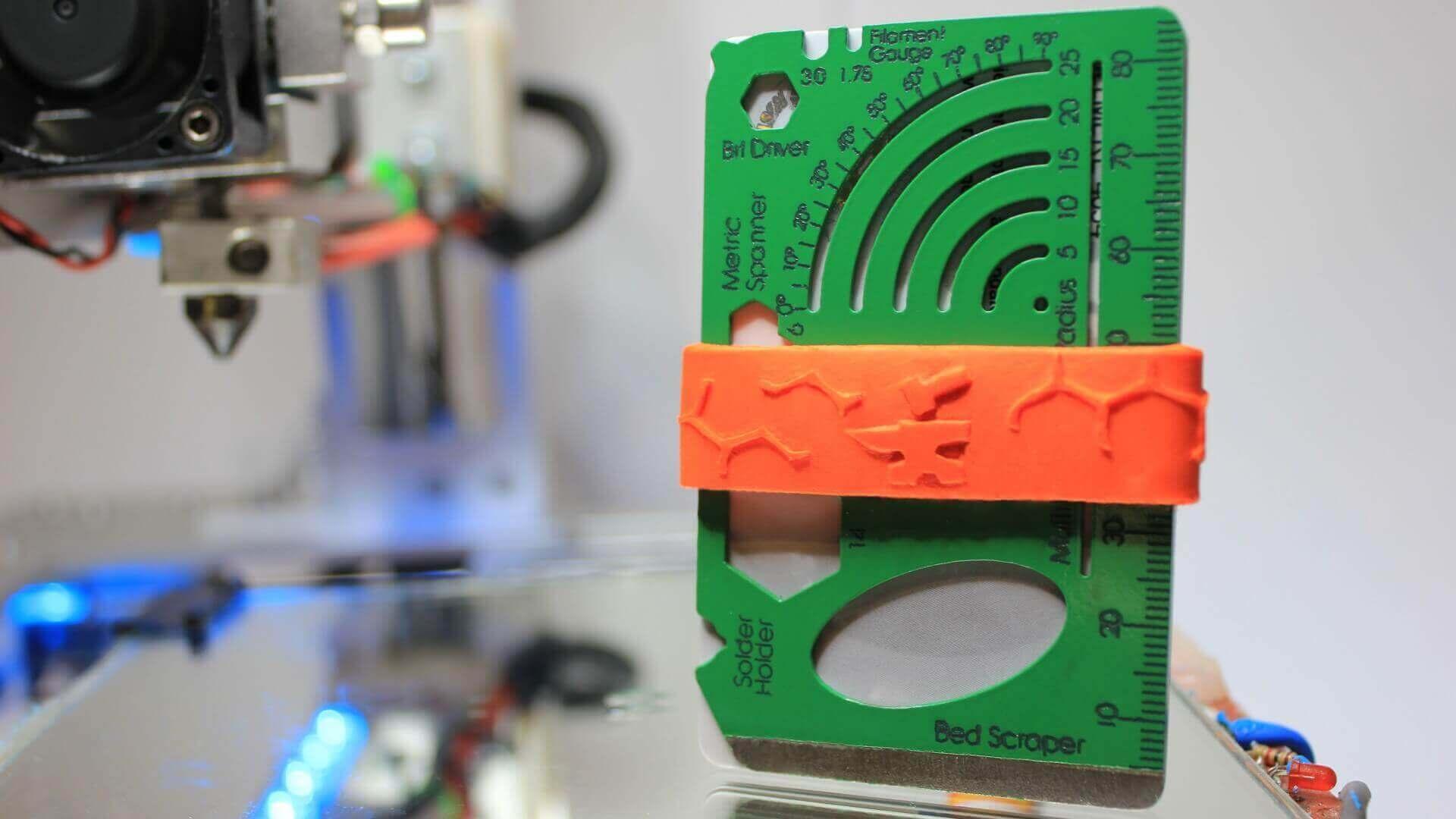 Maker Wallet on Kickstarter: RFID Shielded Multitool (and Wallet) | All3DP