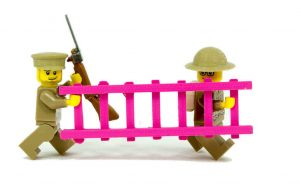 Minifig Battlefields recreate WWI Trenches with LEGO and 3D