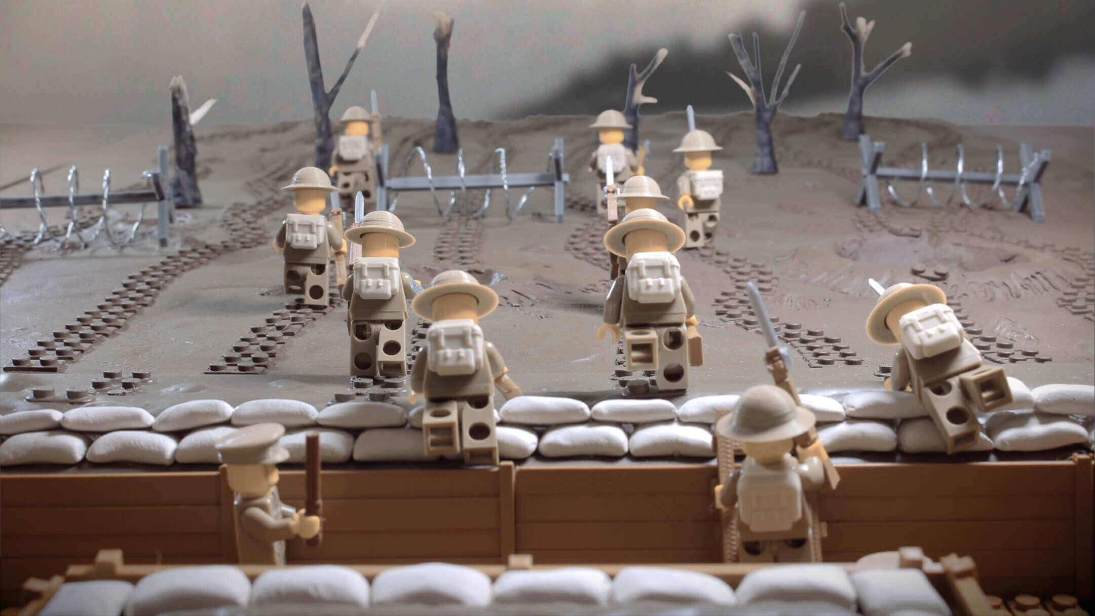 Minifig Battlefields recreate WWI Trenches with LEGO and 3D Printing | All3DP