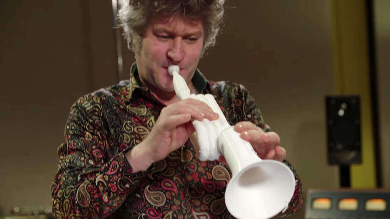Sound of Delivery: Dutch PostNL 3D Prints a Trumpet In Transit | All3DP