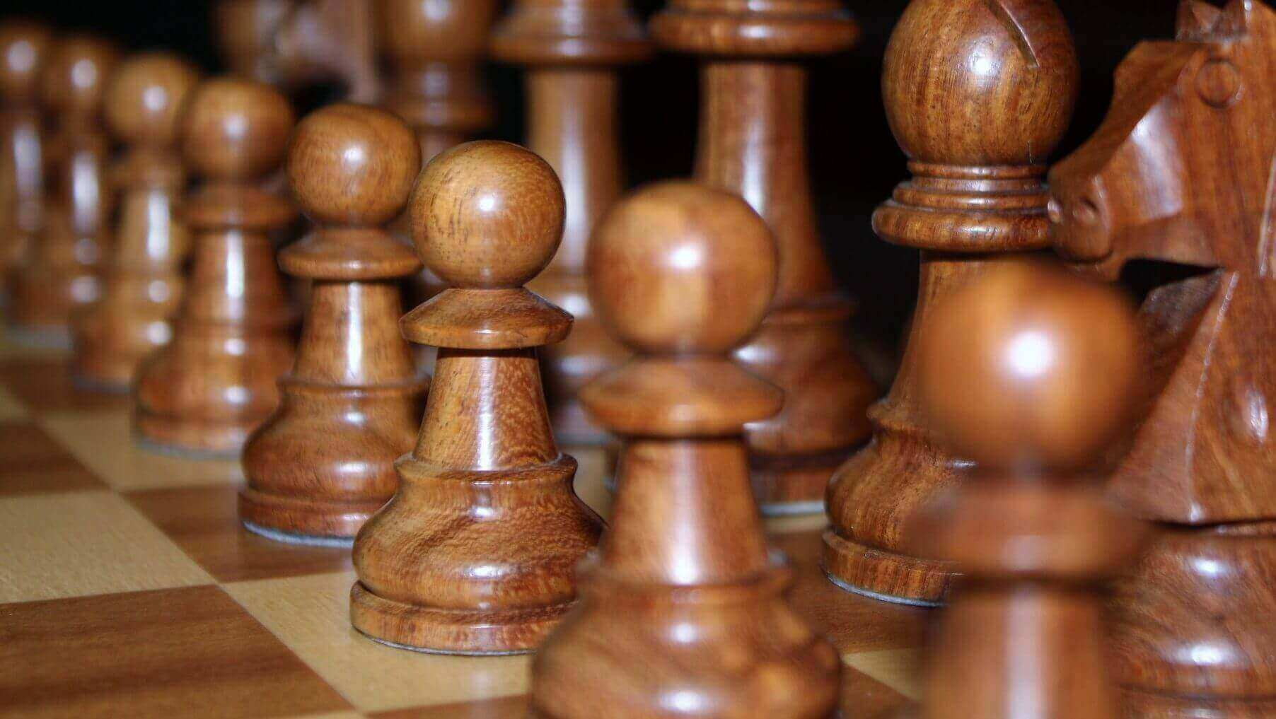 Lecturer Uses 3D Printing to Complete WW1 Chess Set | All3DP