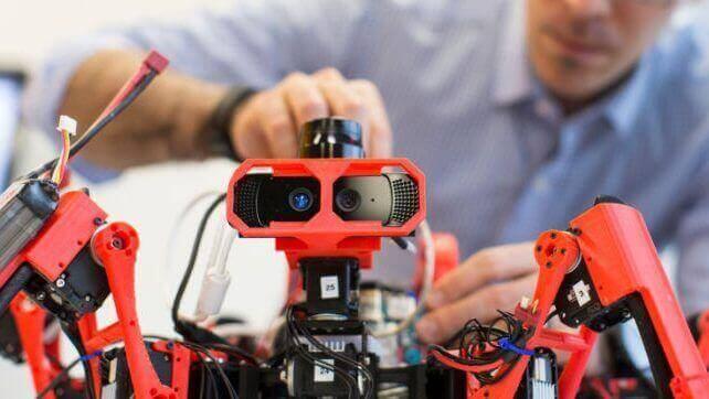 Siemens Spider-Bots 3D Print Together | All3DP