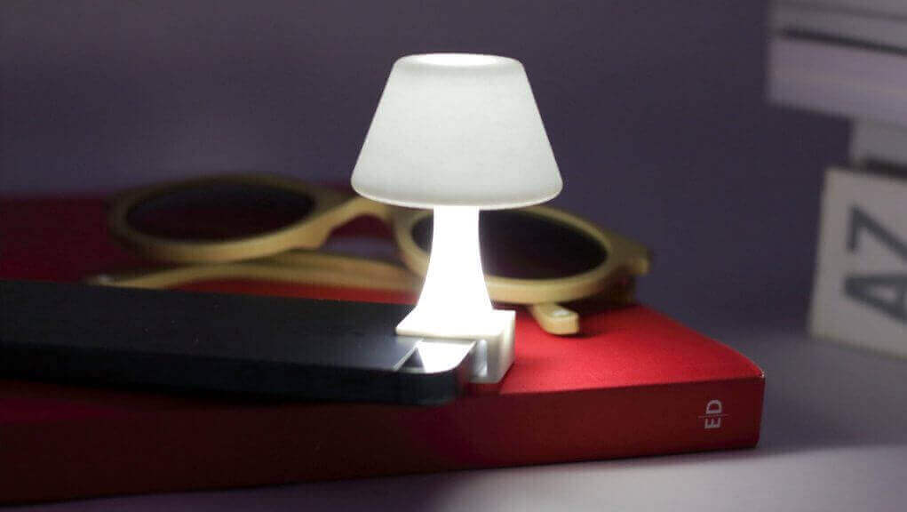 Check out the Ibat Jour Flash Lamp For iPhone | All3DP