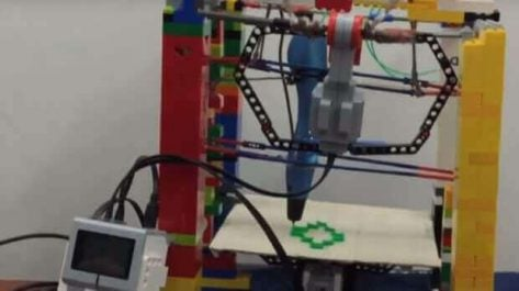 Featured image of 12-Year-Old Builds Working Lego 3D Printer
