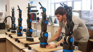 Featured image of BCN3D Moveo: Fully Open Source 3D Printed Robot Arm