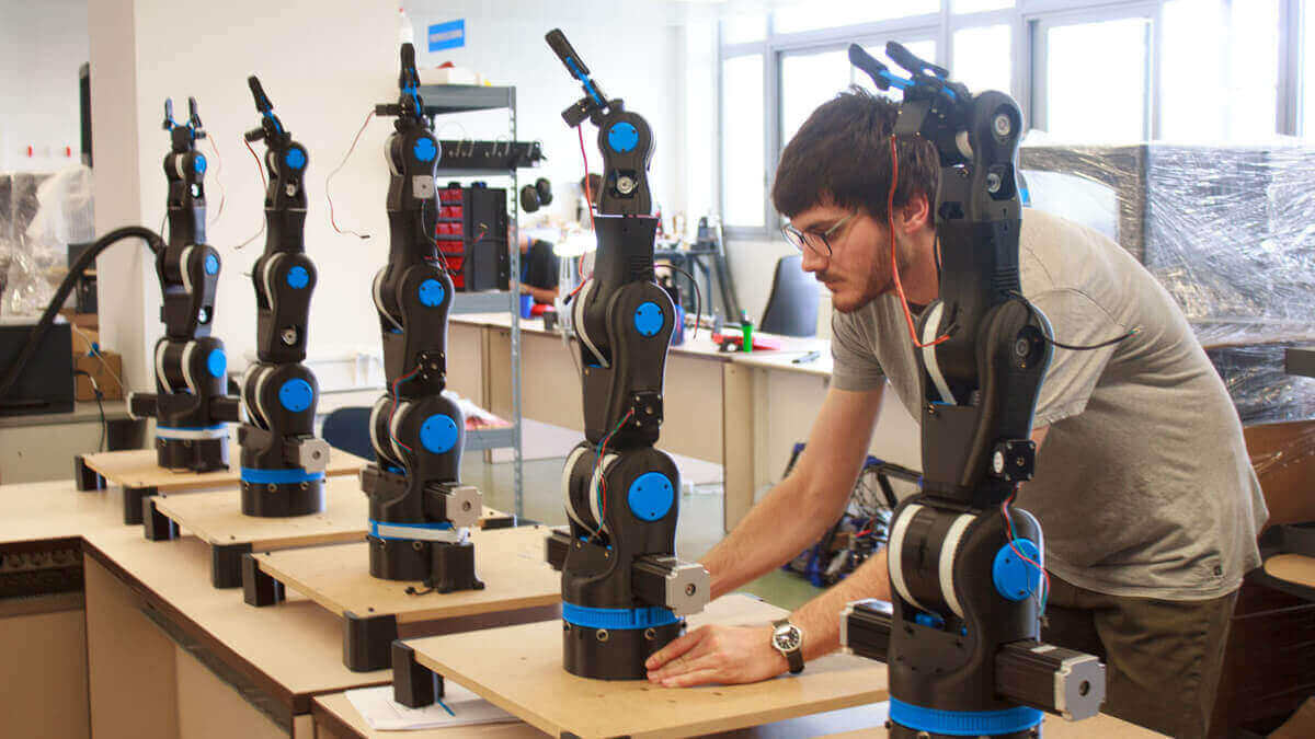 BCN3D Moveo: Fully Open Source 3D Printed Robot Arm   All3DP